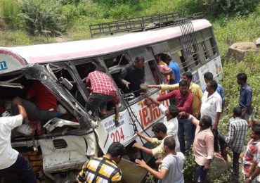 telangana ministers stops on road and face bad experience at jagtial over kondagattu bus accident