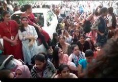 begumpet saint province college students protest against college management over dress code, మా డ్రెస్! మా ఇష్టం !!