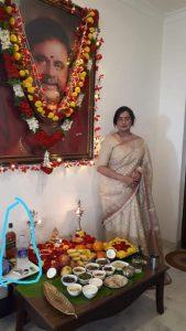 actress politician sumalatha pays tributes to veteran actor ambarish, అంబరీష్ కు సుమలతాంజలి