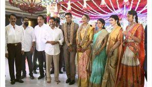 ap cm ys jagan at medak sp chandana deepti ips wedding, మెదక్ ఎస్పీ చందన దీప్తి పెళ్ళిలో సీఎం జగన్
