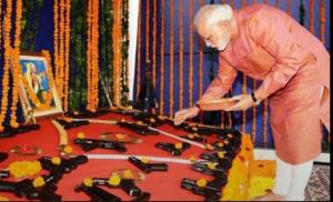 pm modi on vijaya dashami, మోడీ దేశభక్తి-దైవభక్తి